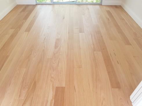 Using Bona Natural to get the floor looking as matt as possible in Jamberoo